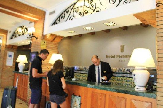 Hotel Fernando III: La réception