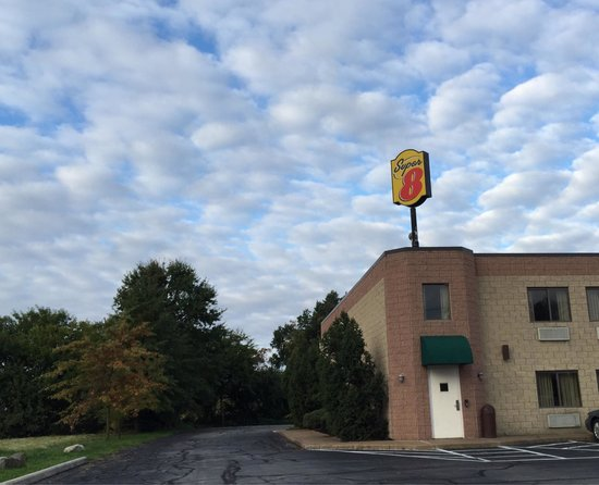 Super 8 Milan/Sandusky Area: Super 8 exit 118 I-90