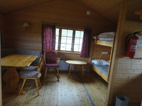Kirkeporten Camping: Dining and bunkbeds