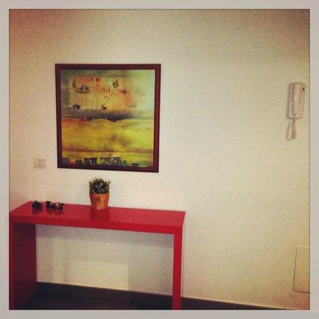 Inside Barcelona Apartments Sants: Livingroom