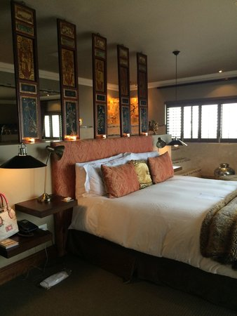 The Alexander : Royal honeymoon suite to die for