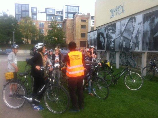 Berlin on Bike: Professor George at Bernauer Str