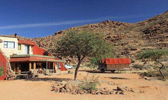 Barchan Dune Retreat: Main reception