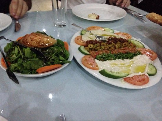 Turkish House : Rocket salad and some meze.