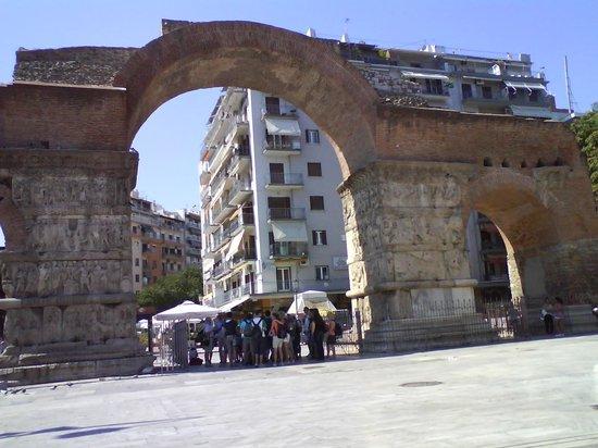 Arch of Galerius - Picture of Arch of Galerius ...