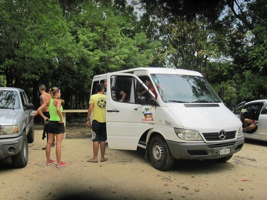 Yucatek Divers: Ready for cenotes