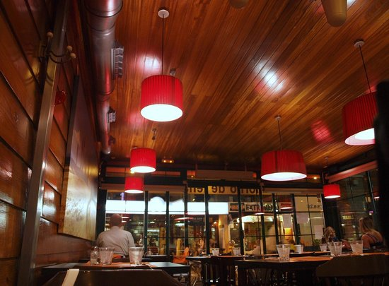 Pizzeria Toscana: Interior del comedor
