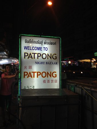 Patpong Night Market : insegna quartire