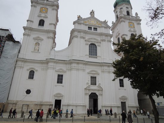 St. Stephen's Cathedral: 大聖堂正面