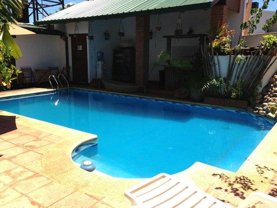 Petit Hotel Si Mi Capitan: piscina