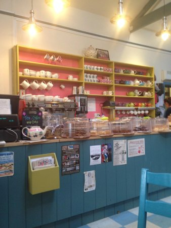 Wiveton Farm Cafe: The counter