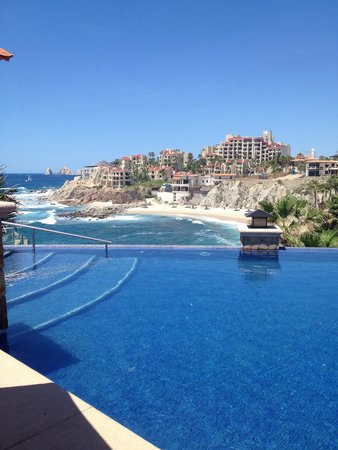 Welk Resorts Sirena Del Mar: View from larger infinity pool
