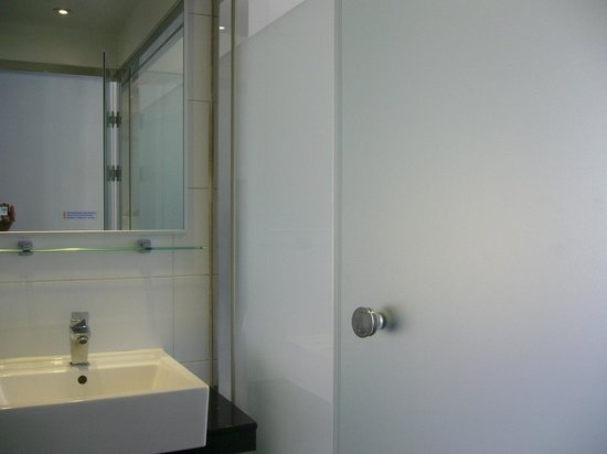 Yes Hotel: Modern Room 501