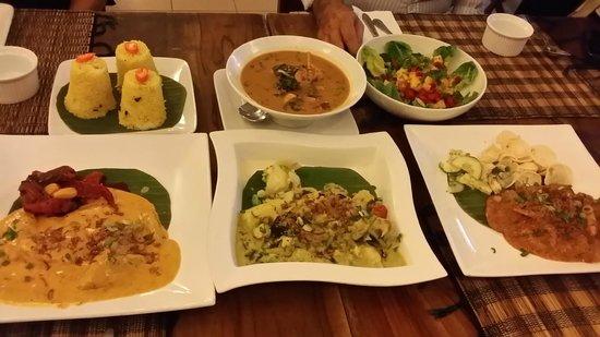 Champor-Champor Restaurant & Bar : Food for sharing