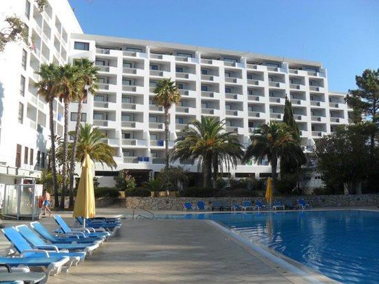 Alfamar Hotel: Ogród i hotel