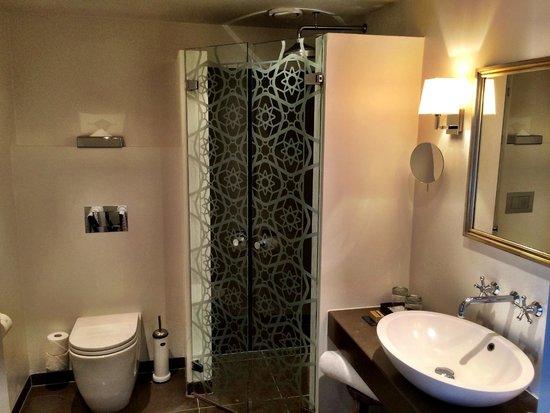 Nimb Hotel: Toilet