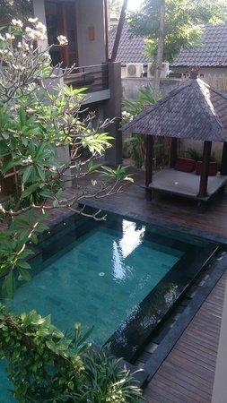 Casa Bidadari: Вид на бассейн со второго этажа