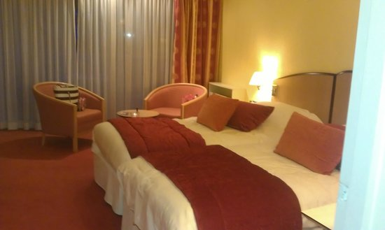 Club Maintenon: Our room