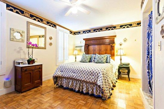 Herlong Mansion Bed and Breakfast Inn : Pump House Interior