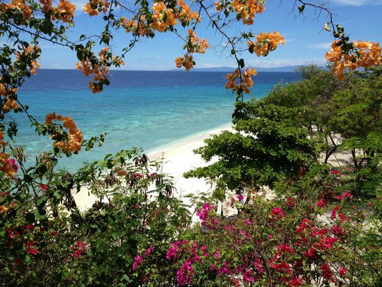 Bluewater Sumilon Island Resort: Simply Enticing!