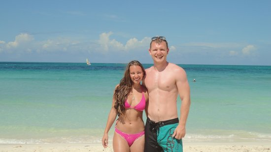 Royalton Cayo Santa Maria: Us on the beach for my birthday