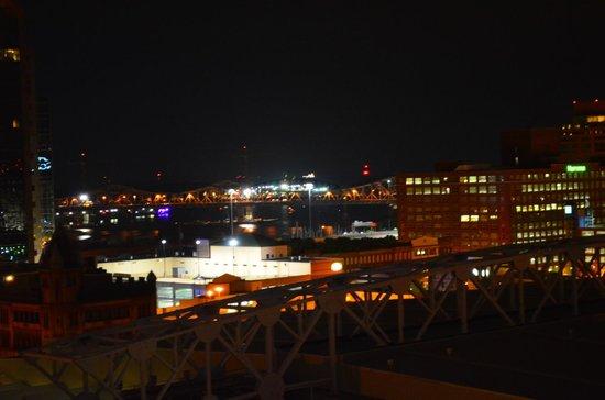 Hyatt Regency Louisville: Night time view of Ohio River