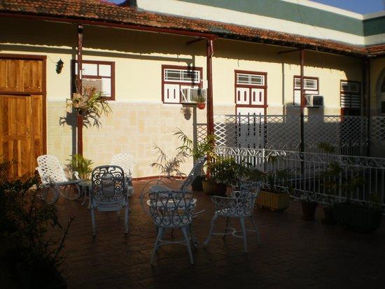 Hostal Alma: terrasse