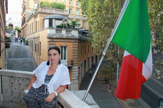 Hotel Imperiale : У нас балкон был с флагом Италии ,самый красивый балкончик.
