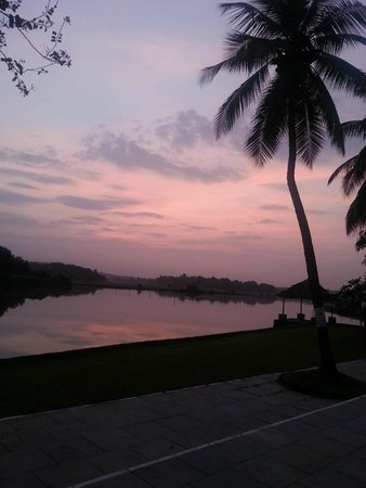 Devaaya Ayurveda & Nature cure Centre: Breathtaking morning view