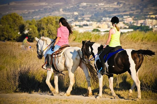 Marmari, Yunani: trail riding