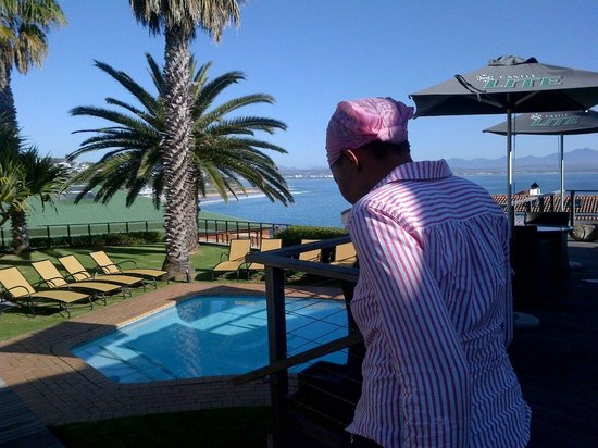 Protea Hotel by Marriott Mossel Bay: Staying with my family for two. Great reception and clean and tidy rooms