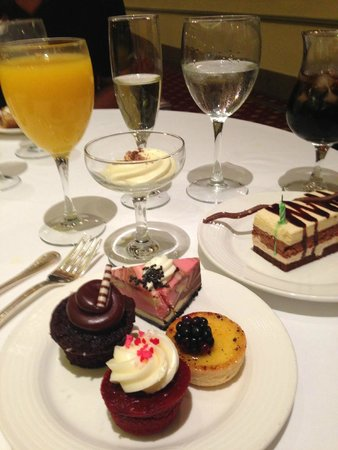 Sunday Champagne Brunch at the Jefferson Hotel: My Brunch desserts