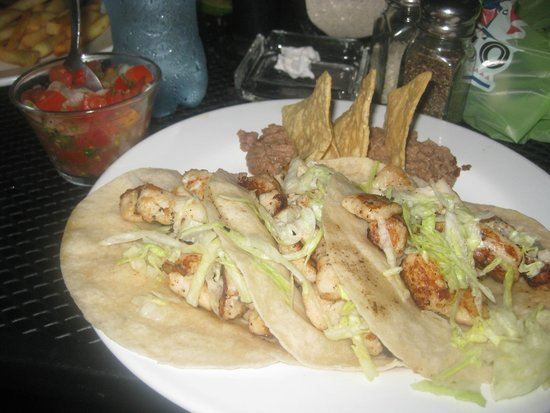 Woodys Bar and Grill : fish tacos