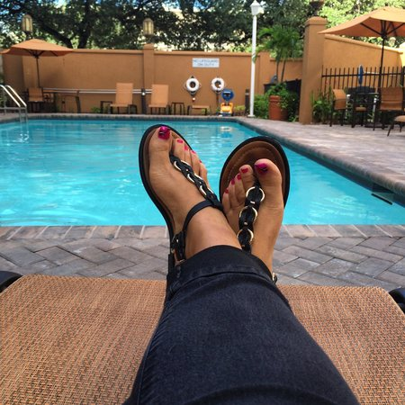 Residence Inn Tampa Downtown: Poolside