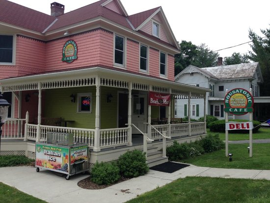 Housatonic Cafe: Not your typical deli