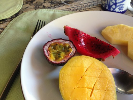 Port Douglas b&b Four Mile Beach: Breakfast of local fresh fruits!