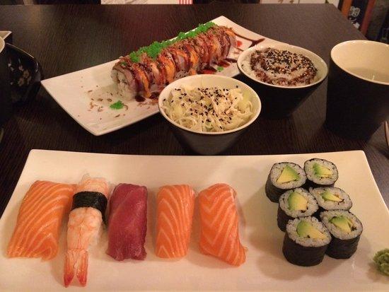 Samourai Sushis: Le comble du raffinement venir au samouraï sushis un samedi soir avec son mari, simplement divin