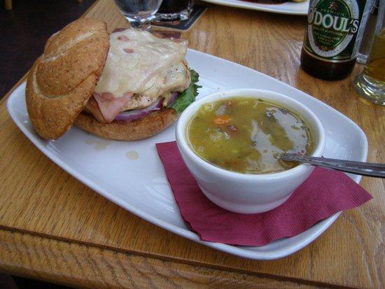 Swans Hotel & Brewpub: Dinner
