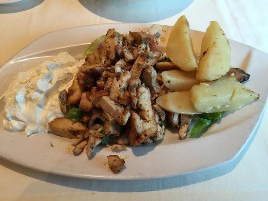 Aegean Restaurant : Chicken Gyro Plate