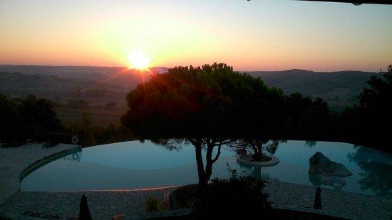 Hotel le Belvedere : Levé de soleil .Magnifique.