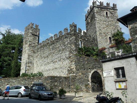 Rezzonico, Italien: il castello dalla strada
