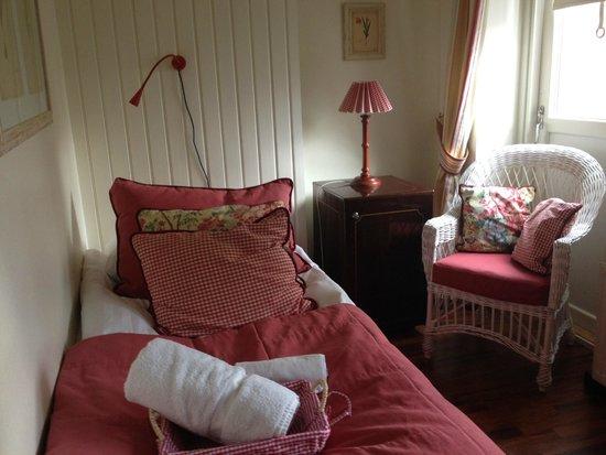 Hotel Yopuu : tiny, single room - almost perfect