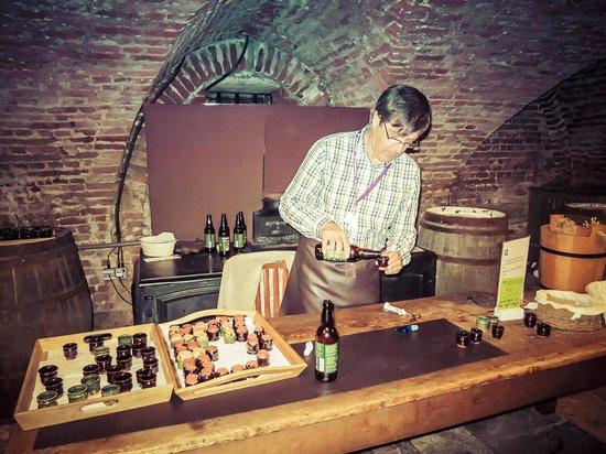 Ham House: Cellar beer sampling