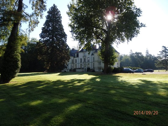 Best Western Premier Le Mans Country Club : Great walks around the grounds
