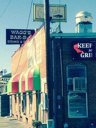 Wagg's Bar-B-Q: Local BBQ option