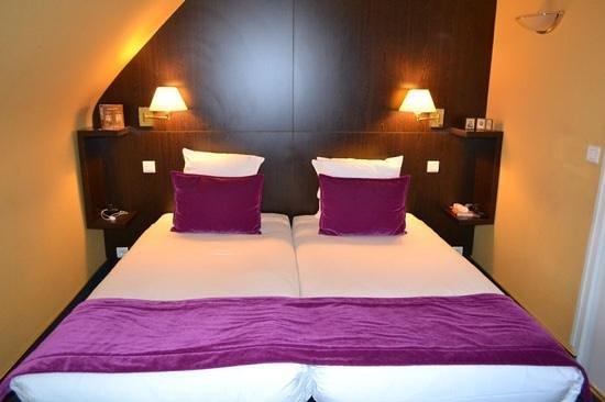 Hotel Pax Opera : Удобная кровать