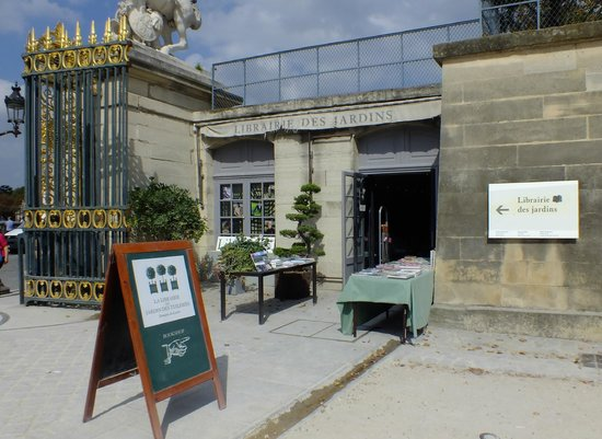 The Tuileries Gardens bookstore