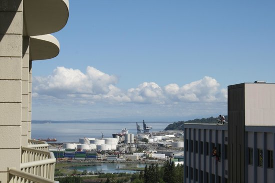 Westmark Anchorage : View of the port from our balcony