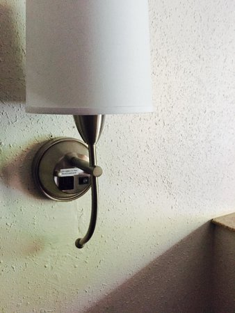 Best Western Tallahassee-Downtown Inn & Suites: Very convenient lighting