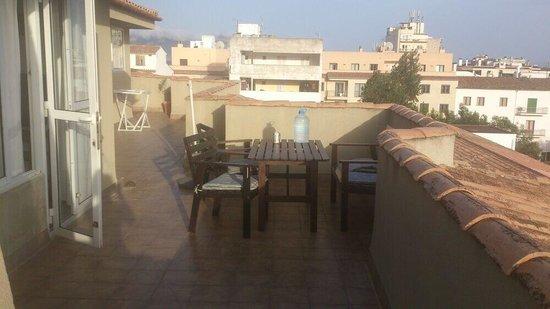 Apartamentos Bressol: Penthouse, one side of balcony